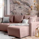 Kolorowe kanapy w salonie